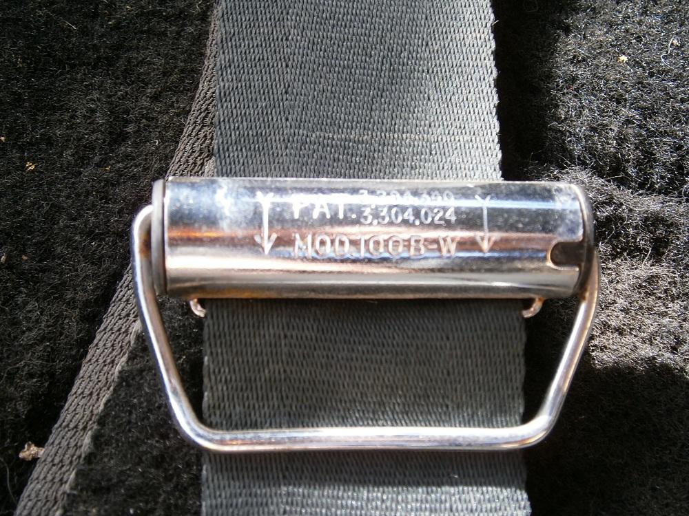 9 seat belt roller.JPG
